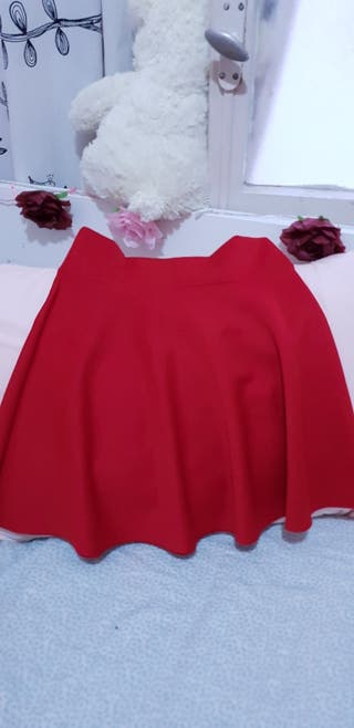 d78aac9e1 Falda de fiesta rosa de segunda mano en WALLAPOP