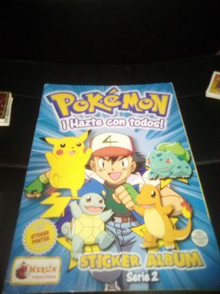 Pokémon lote álbum serie 2 y más de 200 cromos