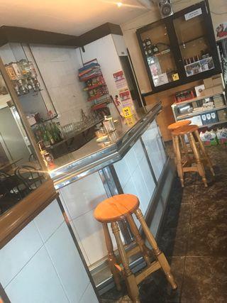 Barra de bar + botellero