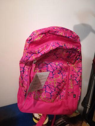 mochila escolar de niña