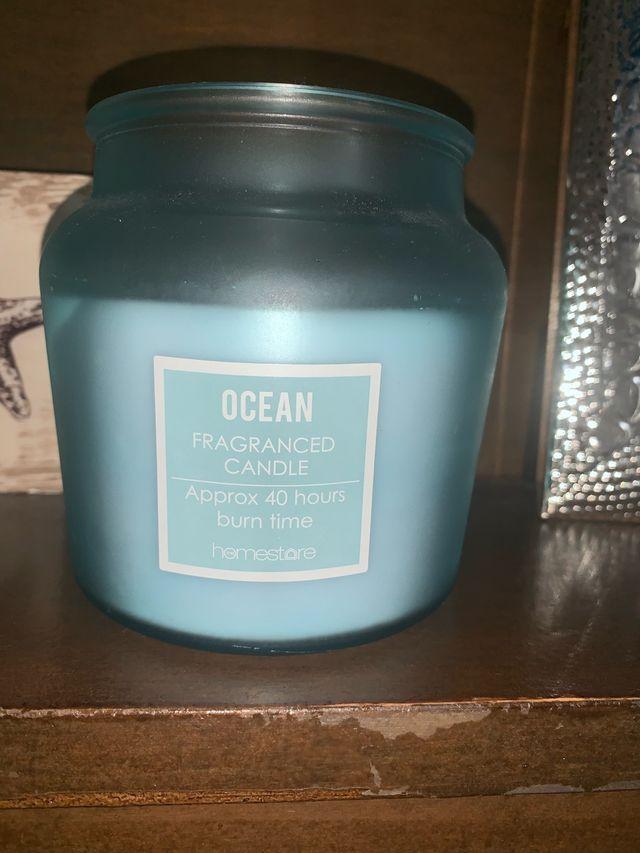 Una vela con un aroma fresco X2