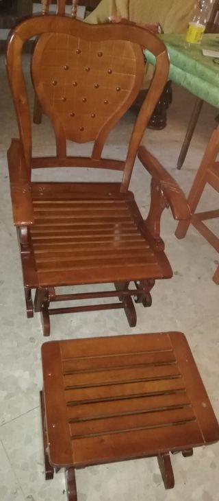mecedora de madera reclinable con reposa pies