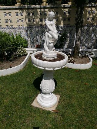 Escultura en piedra para jardín