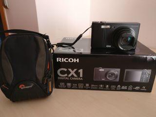 Cámara de fotos RICOH modelo CX1