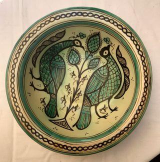 Plato de cerámica Paterna. Reproducción siglo XIII