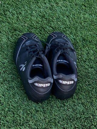 Botas de futbol kipsta.