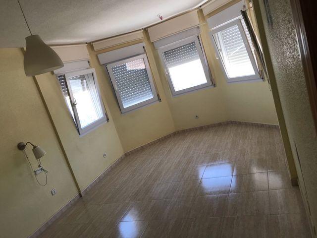 Duplex con sótano La vaguada canteras