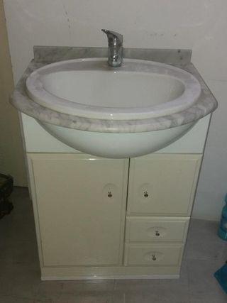 Conjunto de Mueble con lavabo y espejo para Baño.