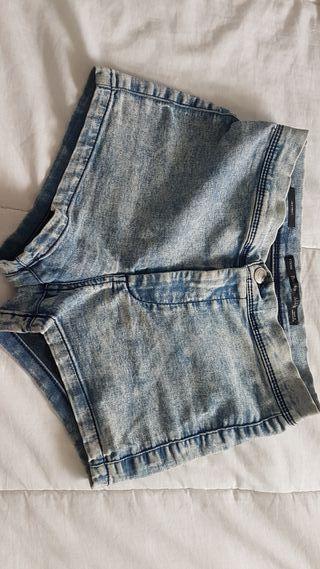 3 Pantalones cortos