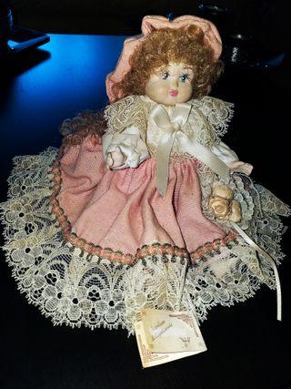 Antigua muñeca de porcelana Capodimonte,Italia