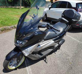 Yamaha N-Max 125 cc