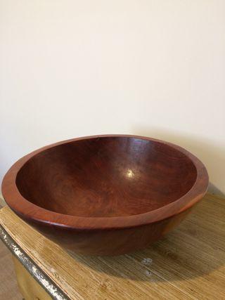 Bol de madera maciza.43cm.30€