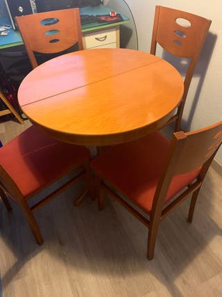 Mesa + 4 sillas con cristal fuerte protector