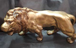 Figura leon de bronce