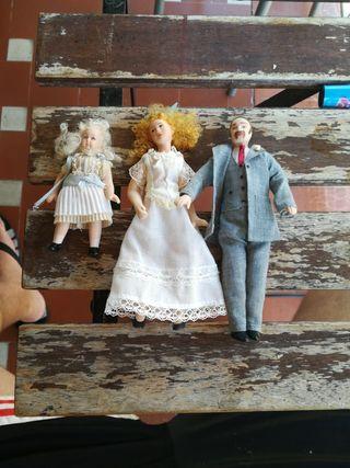 Muñecos familia porcelana