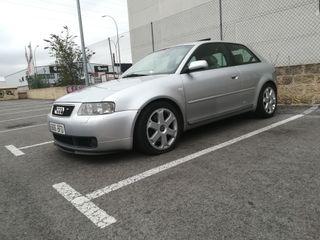 Audi S3 1.8T 225 CV quattro.