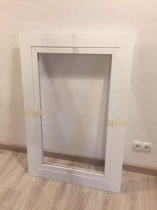Ventana / Finestra Aluminio Blanco 64 x 103,5 cm.