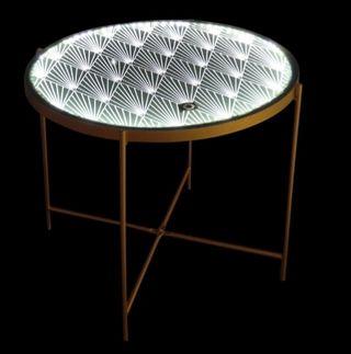 Mesa metálica con luz led