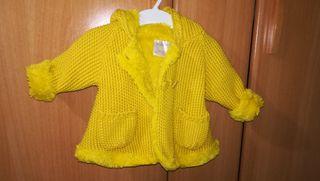 Abrigo peluche Mayoral + 2 vestidos 10€