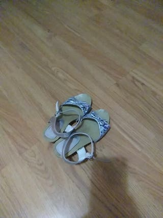 zapato de tacon para niña