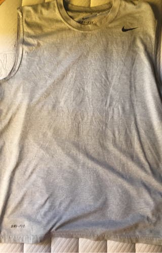 Camiseta Nike dry fit talla M