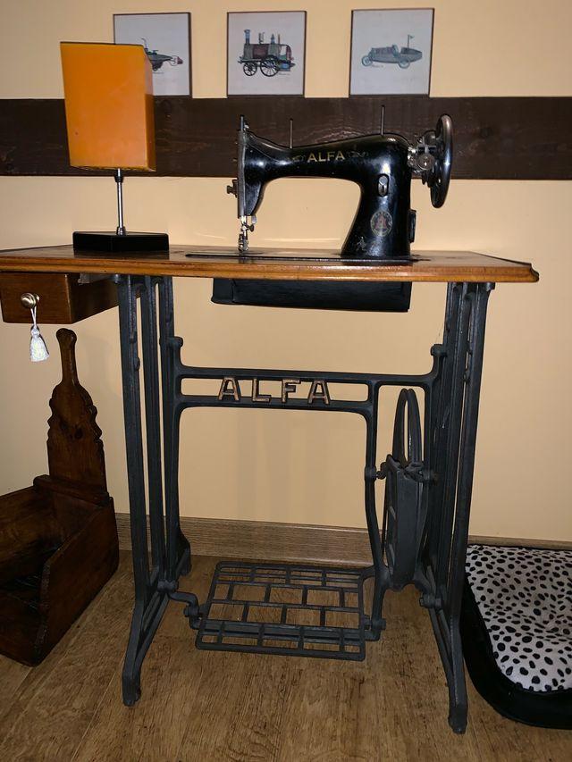 Maquina coser ALFA