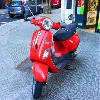 Vespa LX50 roja Motor Piaggio