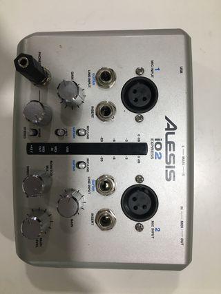 Interfaz de Audio USB Alesis iO2 Express