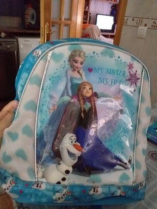 mochilas escolares y estuche