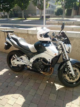 Suzuki GSR 600cc
