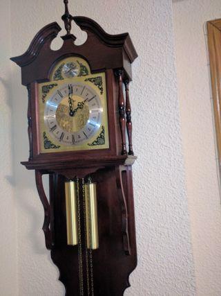 Reloj de pared de péndulo