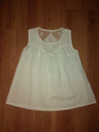 db3ab010f Blusa blanca niña de segunda mano en la provincia de Madrid en WALLAPOP