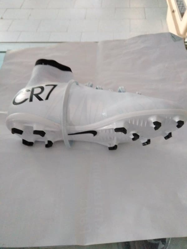 botas CR7 mercury