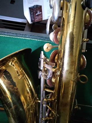 Saxofón tenor JK The New King