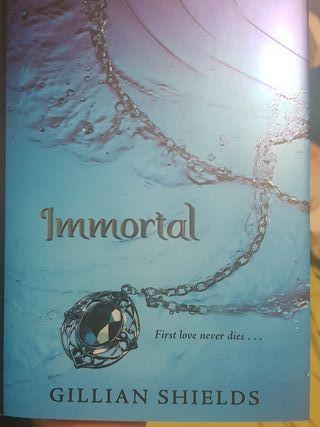 Libro en inglés. Immortal
