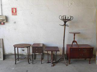 surtido de muebles antiguos
