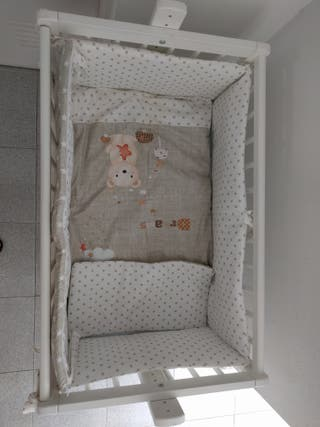 mini cuna de colecho blanca de madera
