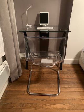 meuble et chaise
