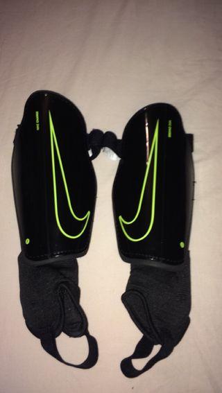 Nike Charge 2.0 Football Shinguard