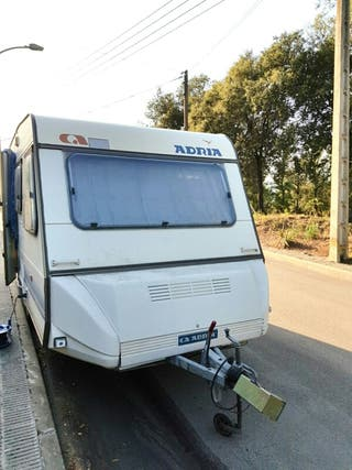 caravana Adria menos de 750 kg