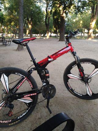 bicicleta de montaña revisada y a punto para monta