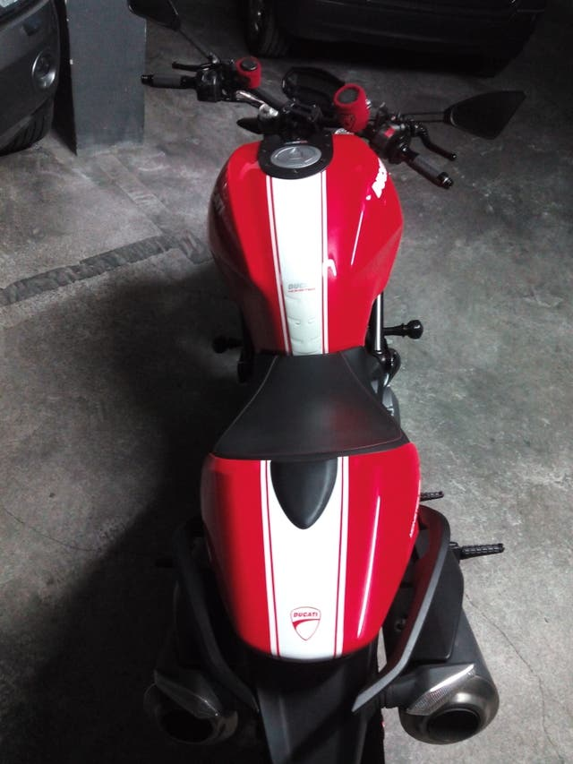 Ducati Monster 696 + Art Rosso Gp