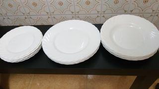 Platos Arcopal blancos