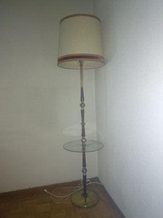 Lámpara de pie clásica