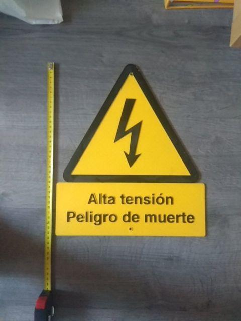 cartel de alta tensión