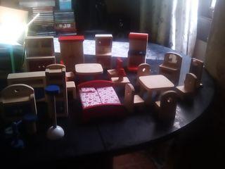 Casa de muñecas.gran lote de muebles