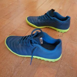 zapatillas / botas futbol sala