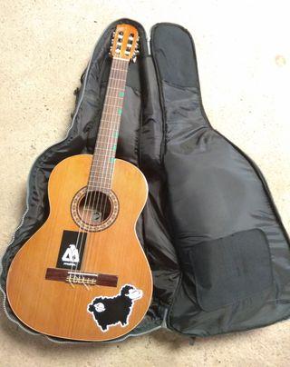 Guitarra Almansa 401 Cedro