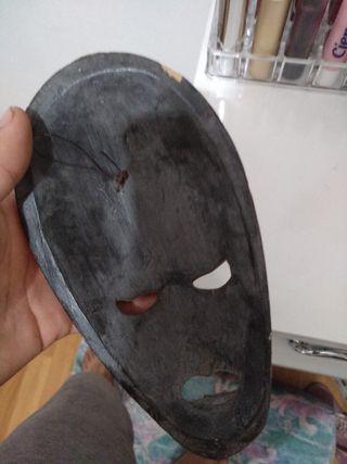 mascara africana para decoración