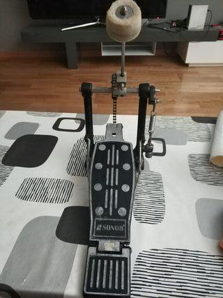 pedal de bombo sonor